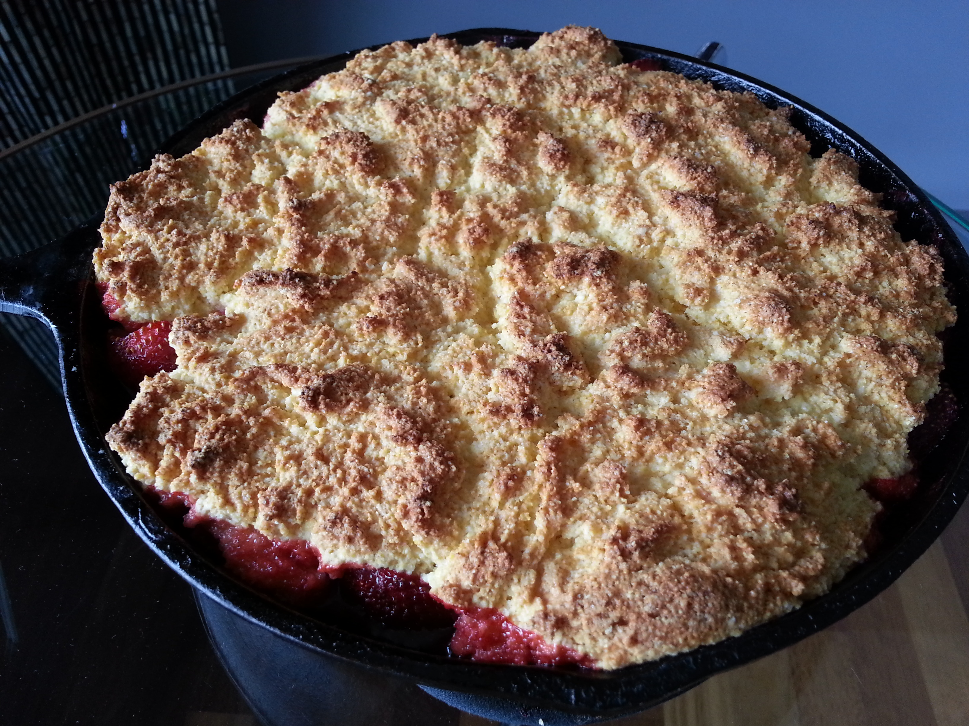 Strawberry-shortcake-skillet-cake-lwwa