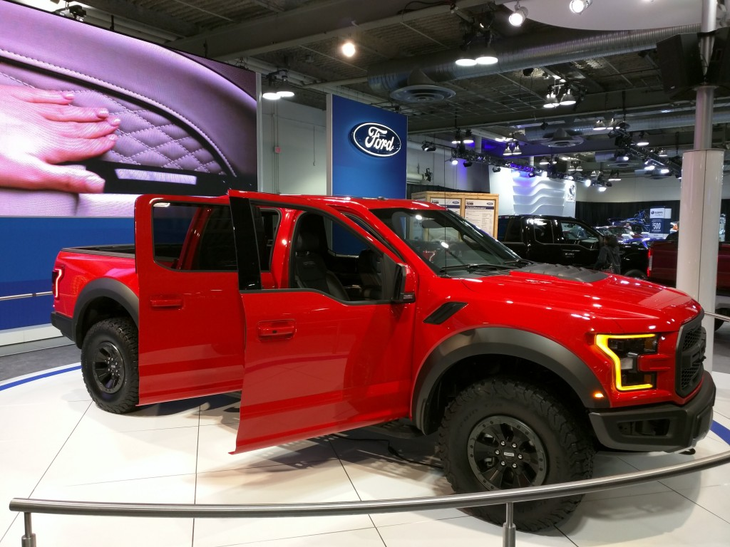 Ford F-150 Raptor 2017 Doors