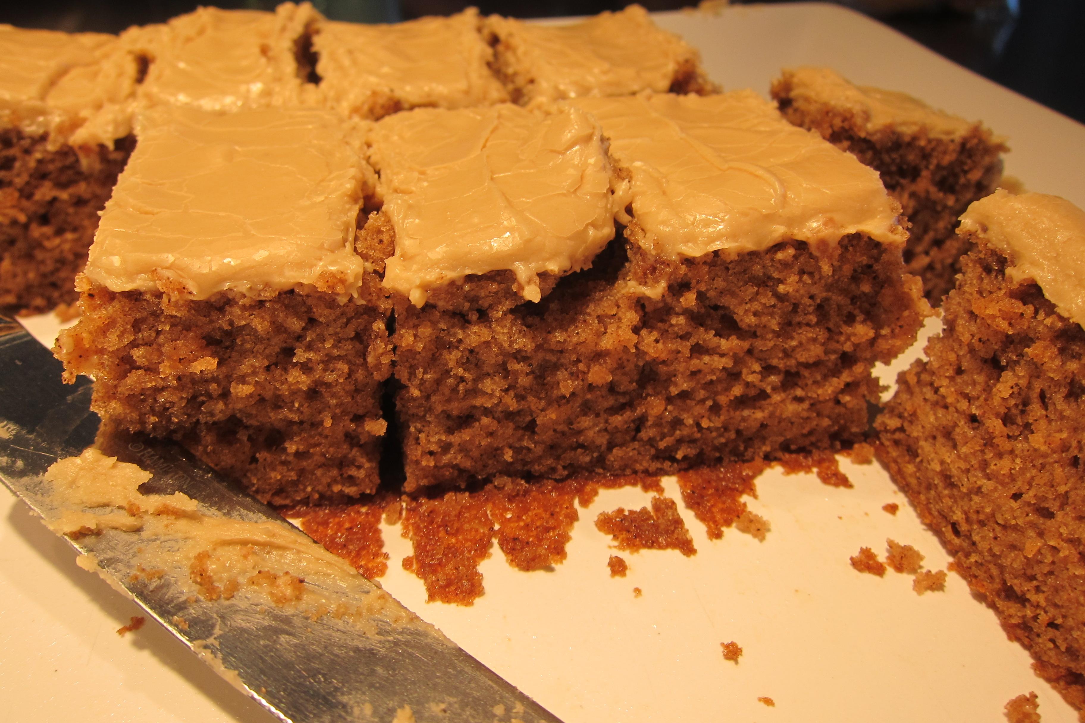 Gails_spice_cake_slices_LWWA